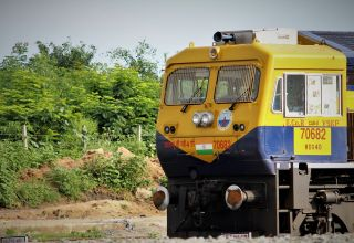 fastest trains of india
