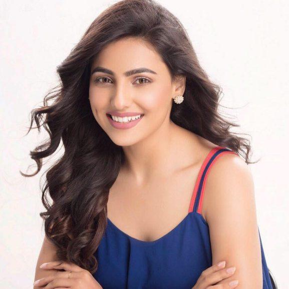 Ginni Kapoor popular punjabi actress