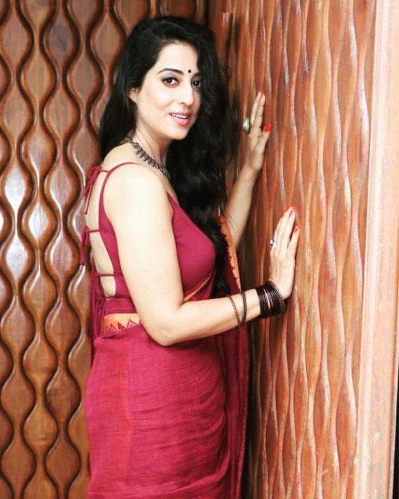 Mahi Gill popular punjabi actress