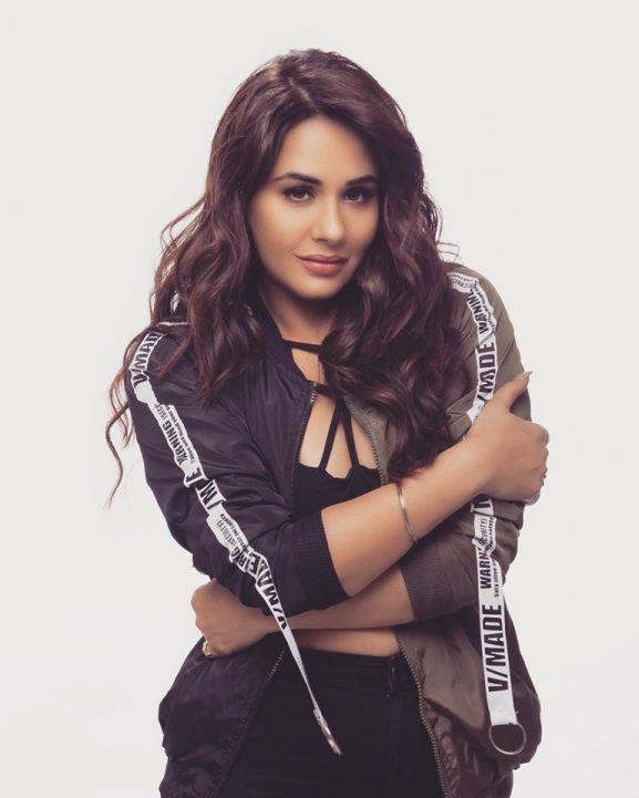 Mandy Takhar popular punjabi actress
