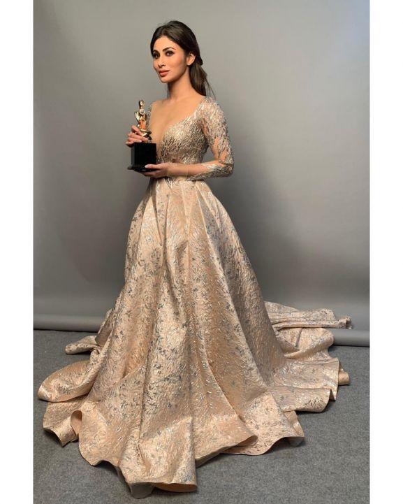 Mouni Roy won Star Screen Awards 2018