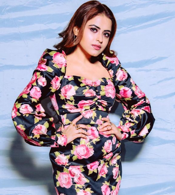 Simi Chahal popular punjabi actress