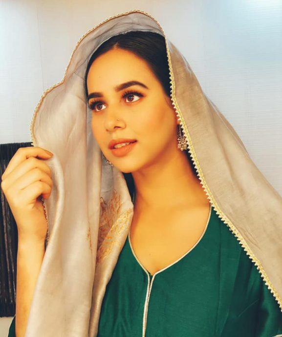 Sunanda Sharma popular punjabi actress
