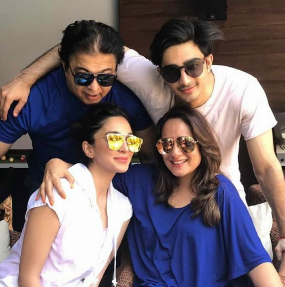 Kiara Advani with family