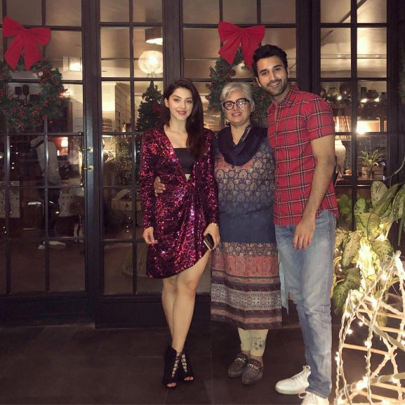Mehreen Pirzada with mother and brother