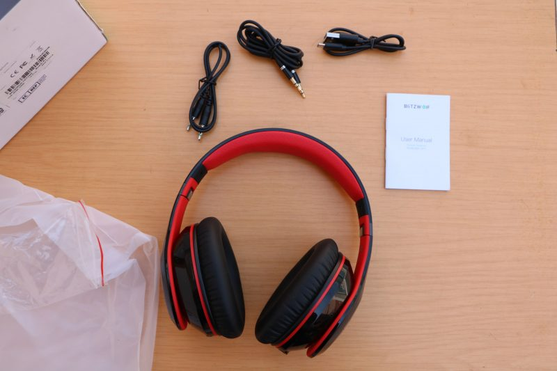 BW-HP1 Wireless Headphones Box and Contents