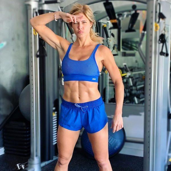 Torrie Wilson - fitness instagram model